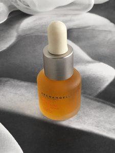 13 aceites esenciales en el Aceite de Belleza de la Reina