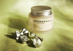 Cosméticos y cremas para piel sensible